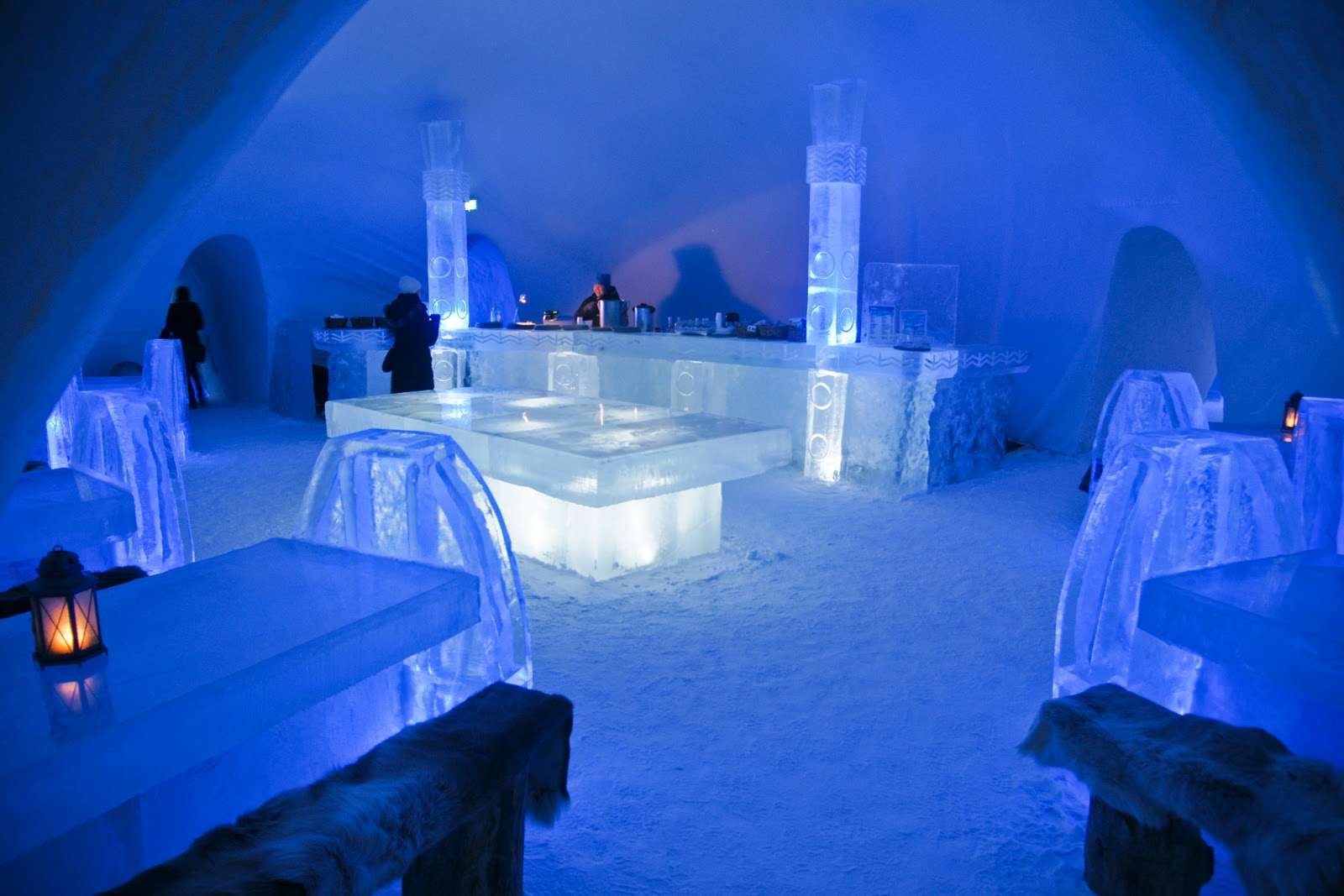 ice hotel dining area thought rot. Black Bedroom Furniture Sets. Home Design Ideas