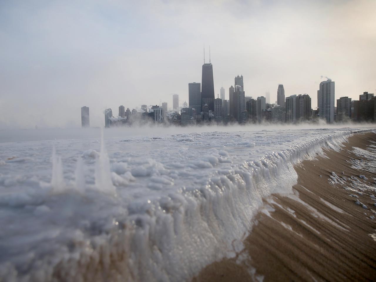 ice_freeze_chicago_46102110